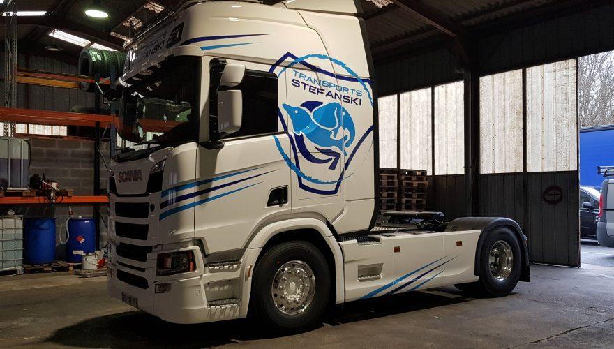 Flocage flotte véhicule poids lourds